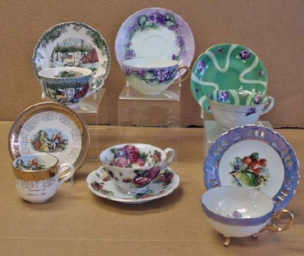 4: Collection of Tea Cups & Saucers