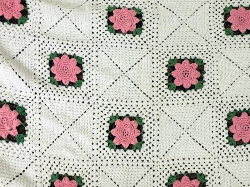 Pink Rose Crochet Bed Spread - 2