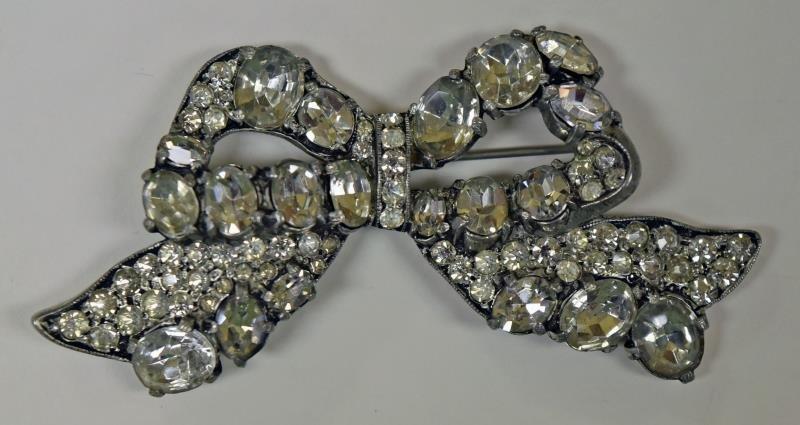 Vintage Eisenberg Rhinestone Bow Pin