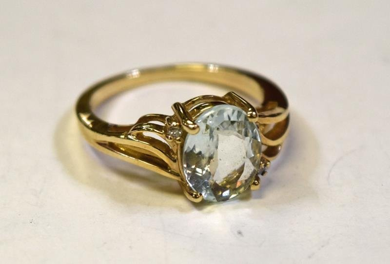 10K Yellow Gold Aquamarine Ring