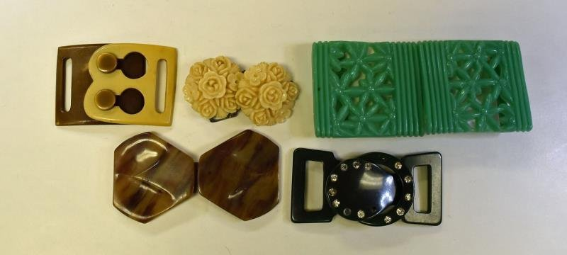 Group of Acrylic Ribbon Buckles