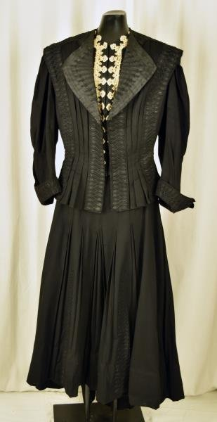 Victorian Two-Piece Mourning Dress 100% wool.  Late
