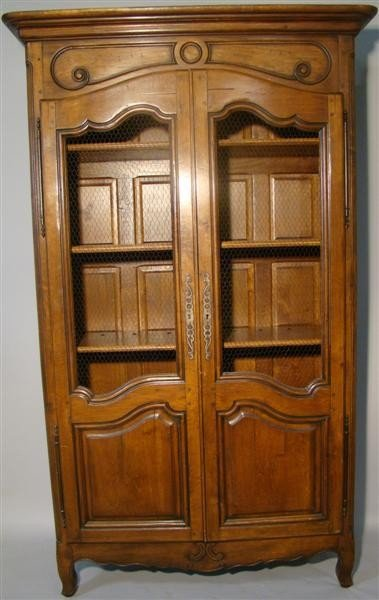 8: FRENCH PROVINCIALSCREEN INSET CUPBOARD