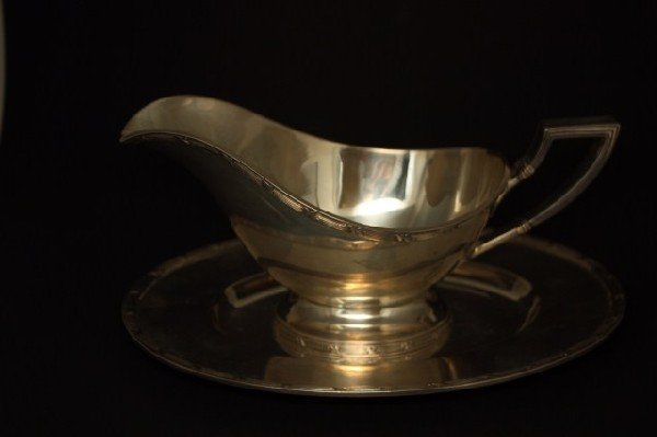 20: GRAFF STERLING SILVER GRAVY BOAT w UNDER PLATE