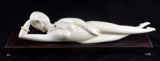 3: CHINESE IVORY HAND CARVED DOCTOR'S LADY