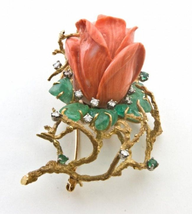 14kt VINTAGE YELLOW GOLD CORAL FLOWER BROOCH
