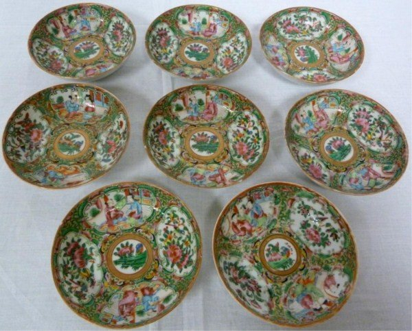 12: 8 ANTIQUE CHINESE ROSE MEDALLION SAUCE BOWLS
