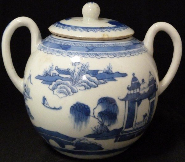 307: ANTIQUE CHINESE BLUE & WHITE PORCELAIN SUGAR BOWL