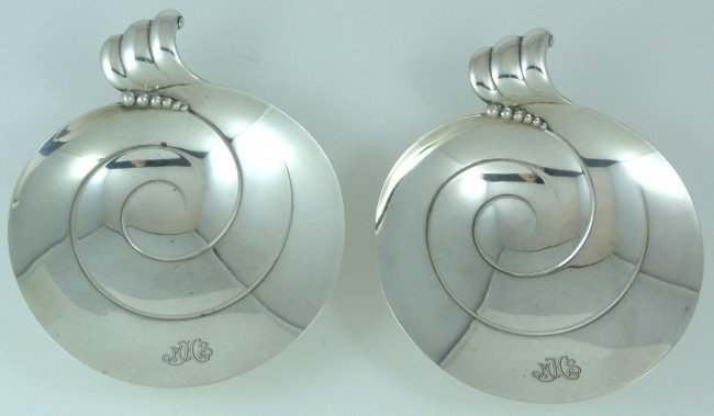 12: PAIR OF TIFFANY & Co STERLING SILVER SHELL DISHES