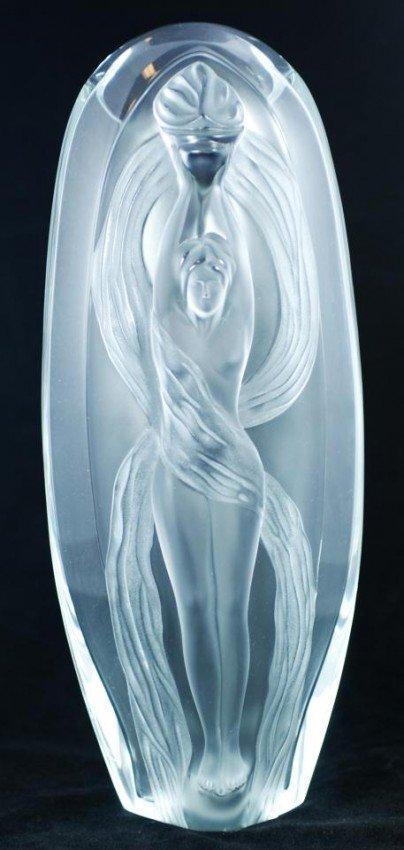9 m lalique france eroica crystal vase. Black Bedroom Furniture Sets. Home Design Ideas