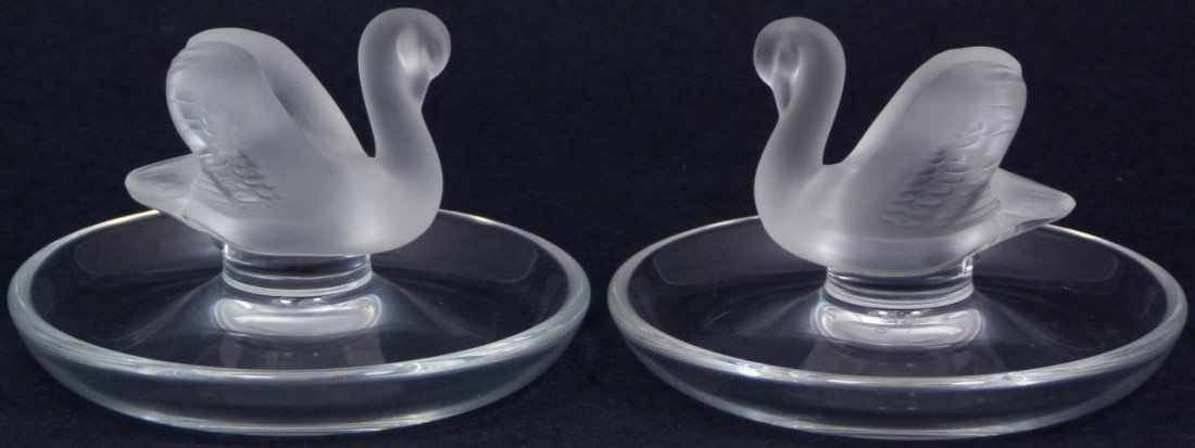 17: PAIR OF LALIQUE FRENCH CRYSTAL SWAN PIN TRAYS