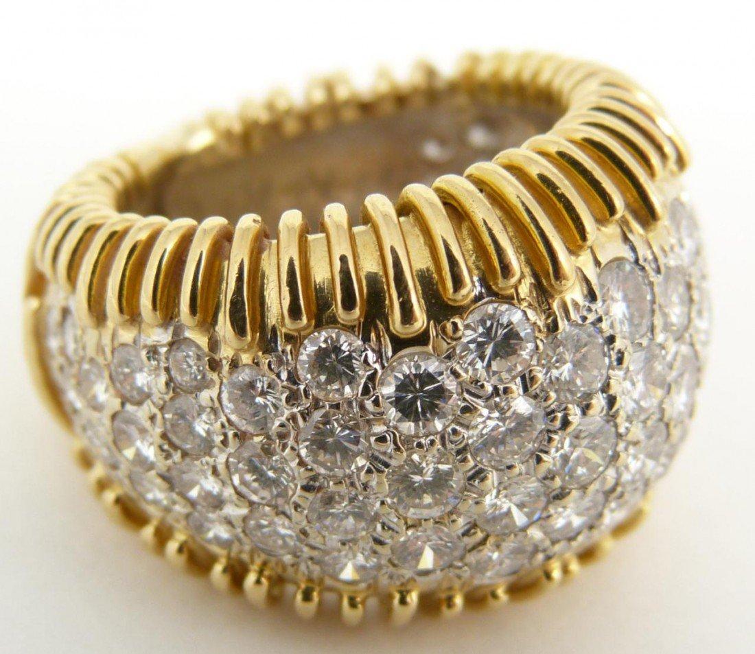 22: LADIES 18KT YELLOW GOLD & DIAMOND RING