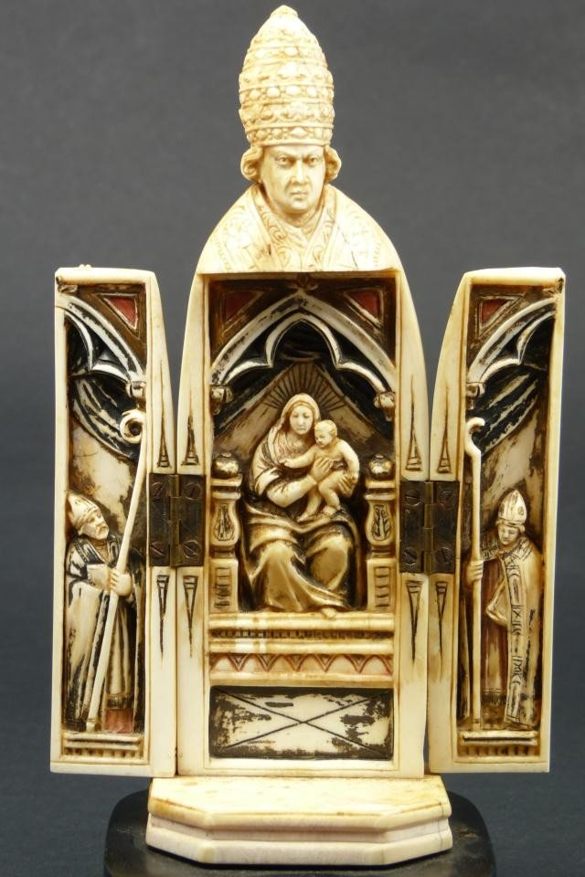 13: ANTIQUE CONTINENTAL IVORY FIGURAL POPE TRIPTYCH