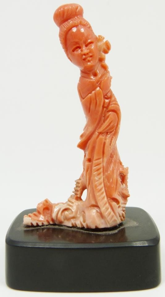 18: CHINESE CARVED CORAL FIGURE OF QUAN YIN
