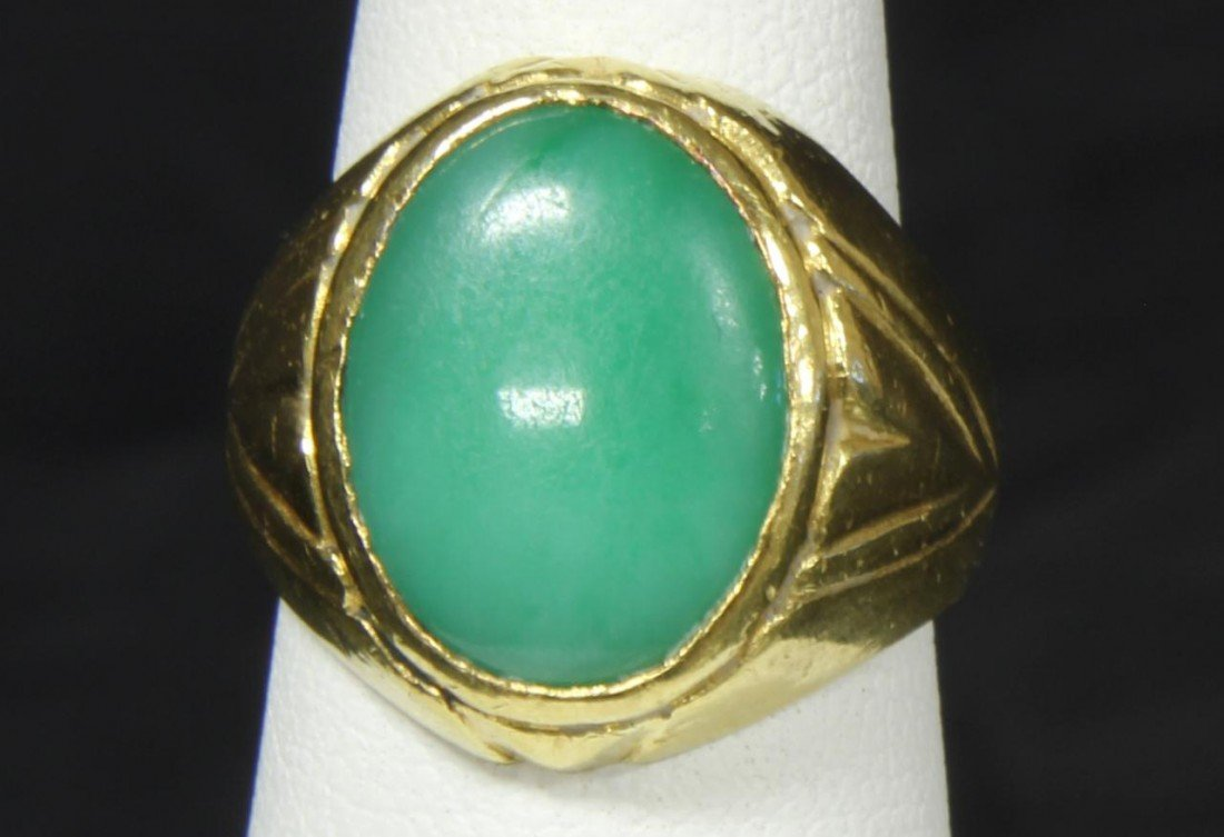 126A: CHINESE 22K YELLOW GOLD APPLE GREEN JADE