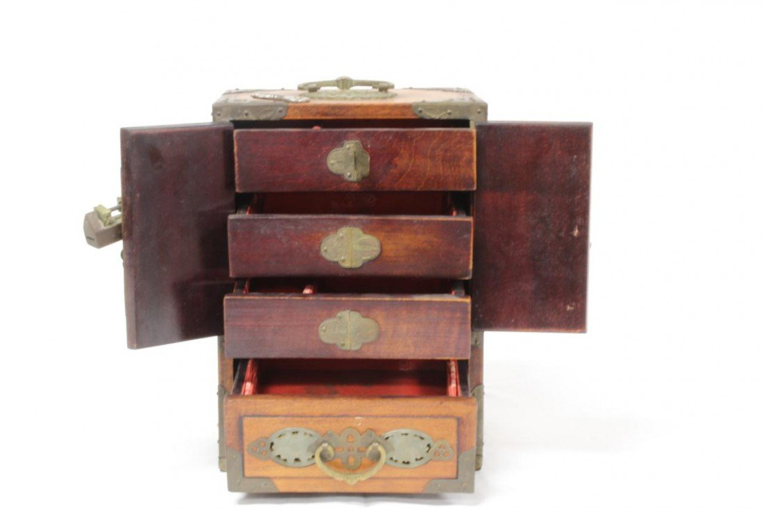 447: ANTIQUE CHINESE WOODEN JEWELRY BOX w JADE INLAY - 10