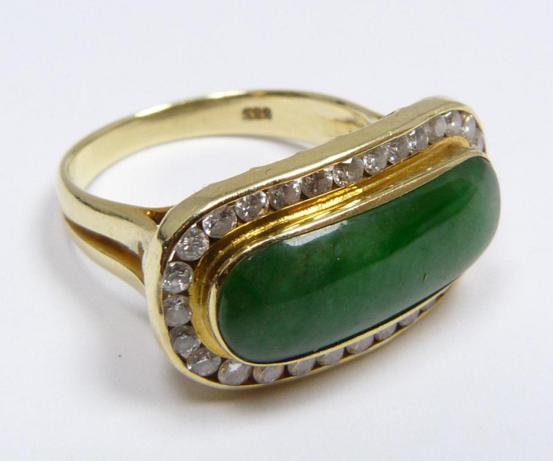 21: 14K YELLOW GOLD GEM JADEITE DIAMOND RING