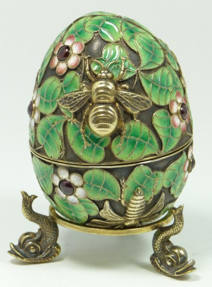 301: RUSSIAN SILVER ENAMELED INSECTS EGG w STAND