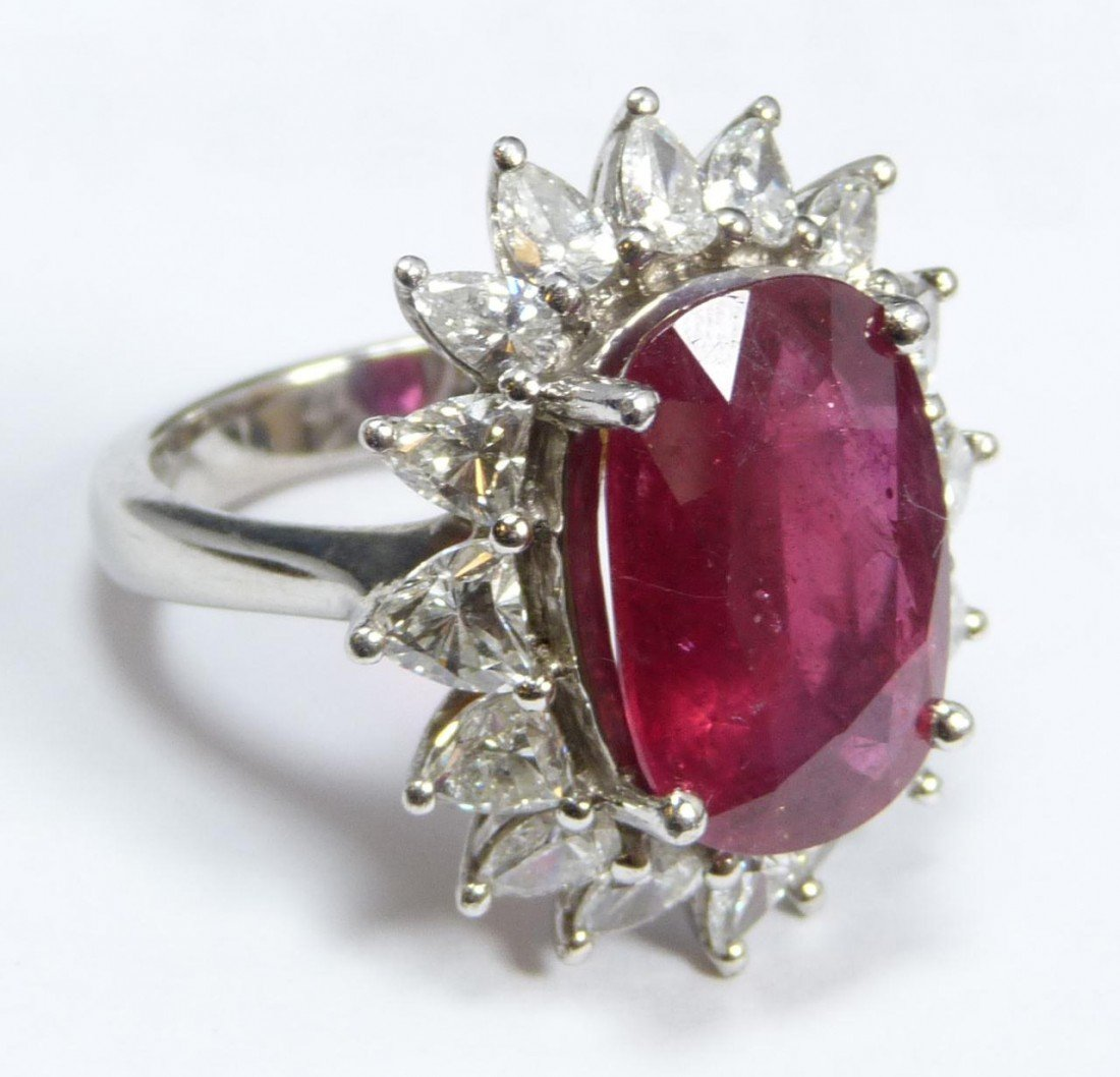 62: EXQUISITE LADIES PLATINUM RUBY DIAMOND RING