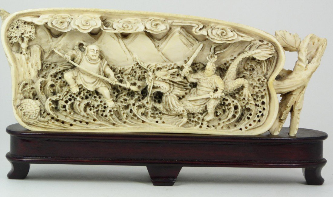 414: CHINESE CARVED IVORY WARRIOR SCENE GOURD PLAQUE
