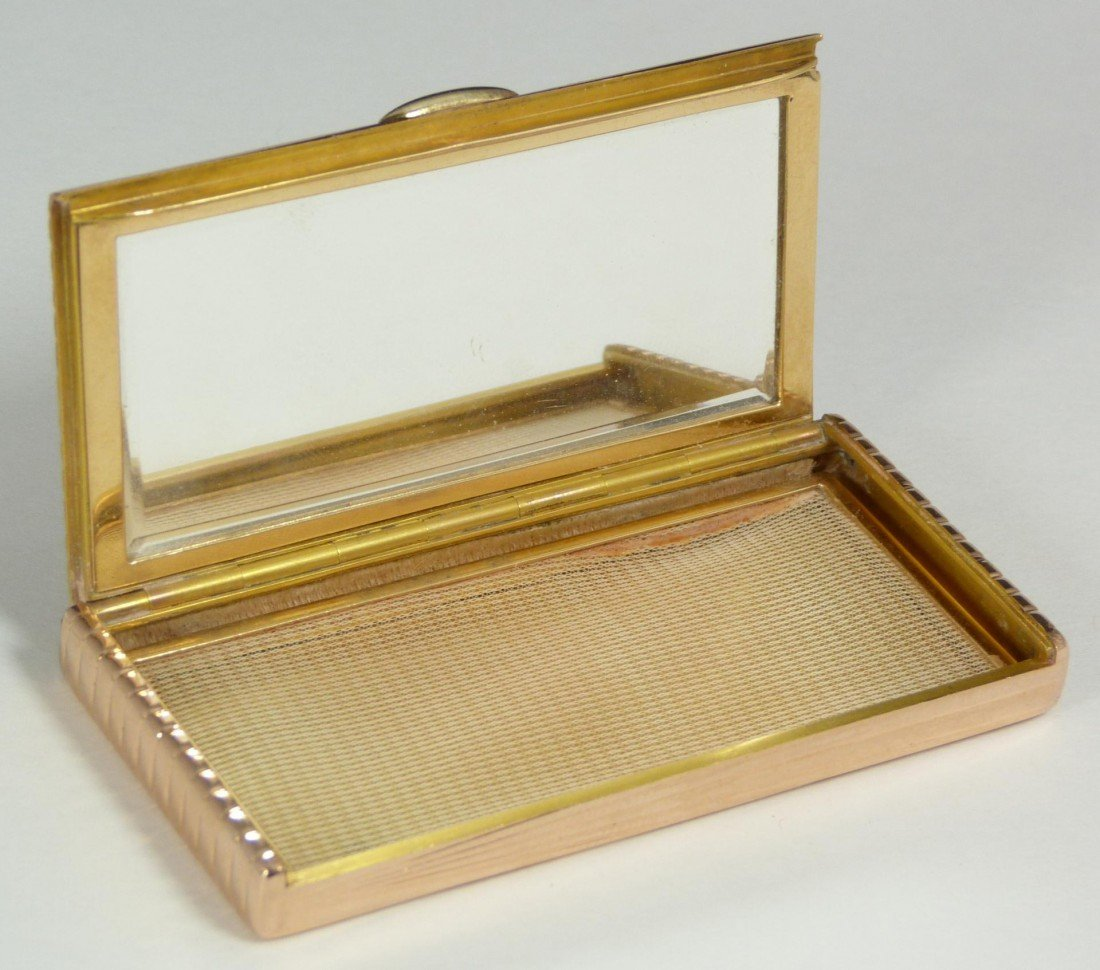 107: IMPERIAL RUSSIAN 14K YELLOW GOLD POWDER CASE