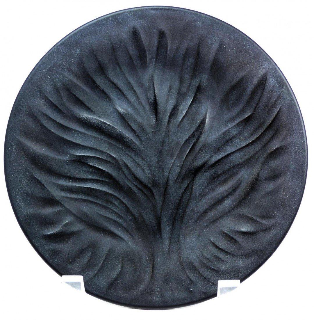 112: SET OF 12 LALIQUE 'ALGUES NOIR' BLACK PLATES
