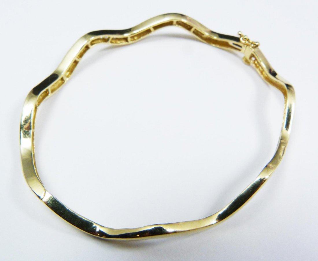 10: 14K WHITE GOLD DIAMOND BANGLE BRACELET