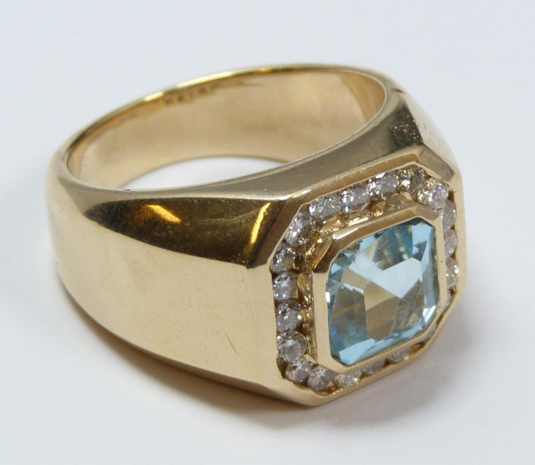 105: 14K YELLOW GOLD BLUE TOPAZ & DIAMOND RING