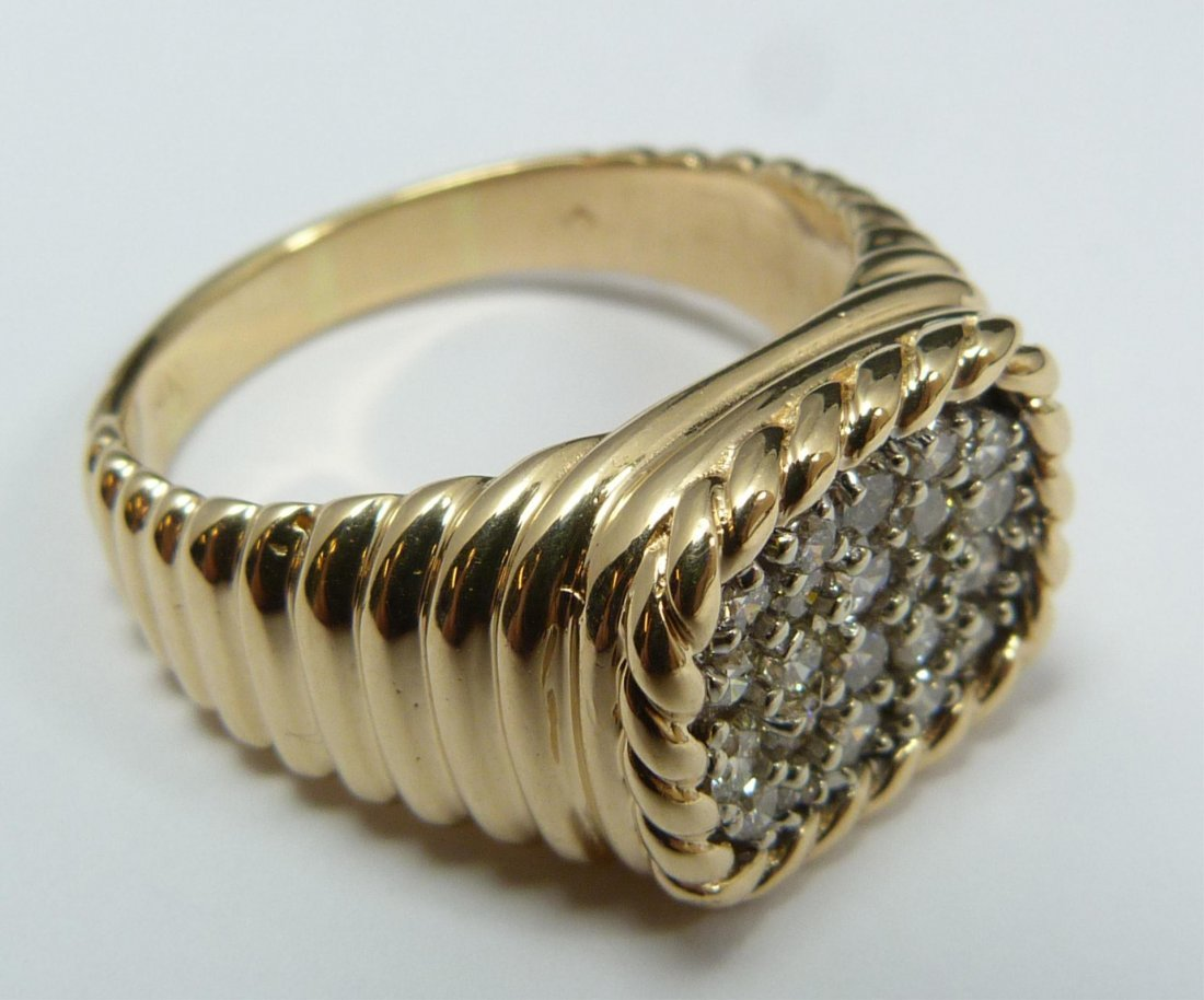 109: 14K YELLOW GOLD MENS DIAMOND CLUSTER RING
