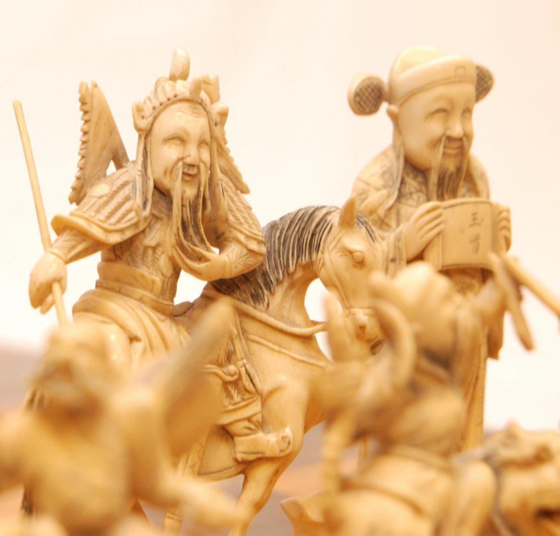116: ANTIQUE CHINESE QIANLONG LARGE IVORY CHESS SET - 7