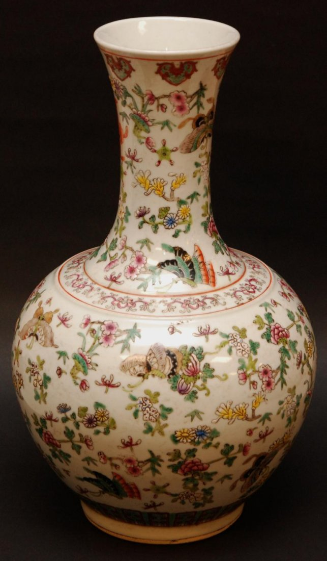 162: 19th CENTURY CHINESE BALUSTER BUTTERFLIES VASE