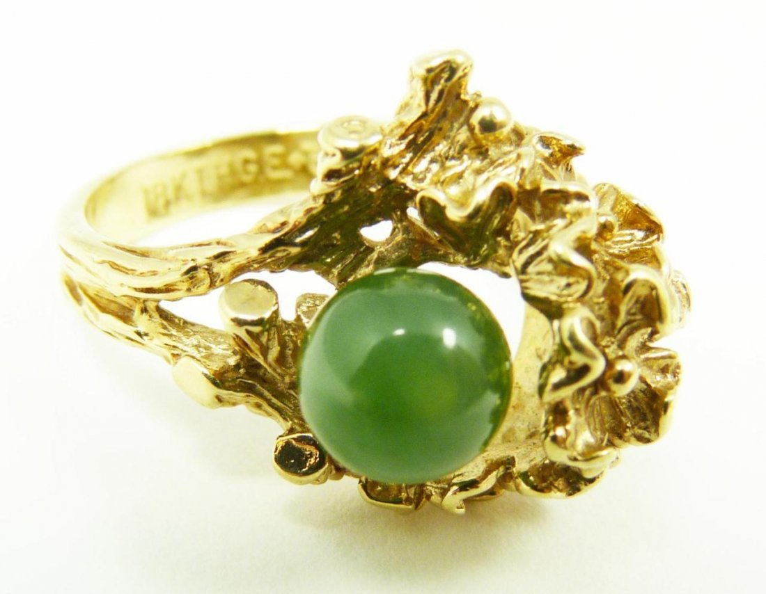231: 18K YELLOW GOLD AND JADE FLORAL RING