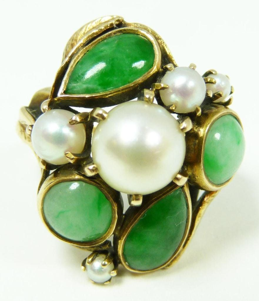 14K YELLOW GOLD APPLE GREEN JADE AND PEARL RING