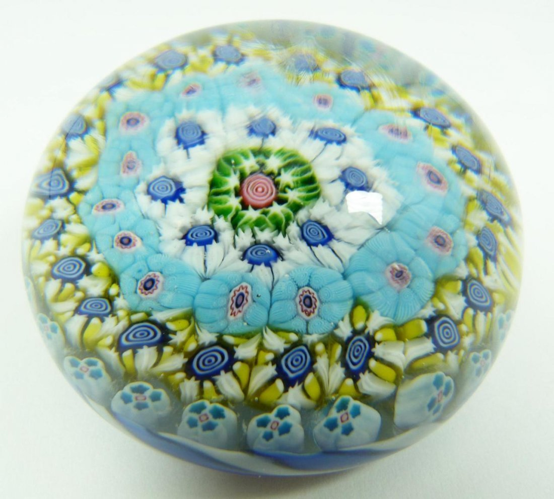 8: CLICHY CLOSE PACK MILLEFIORI ART GLASS PAPERWEIGHT