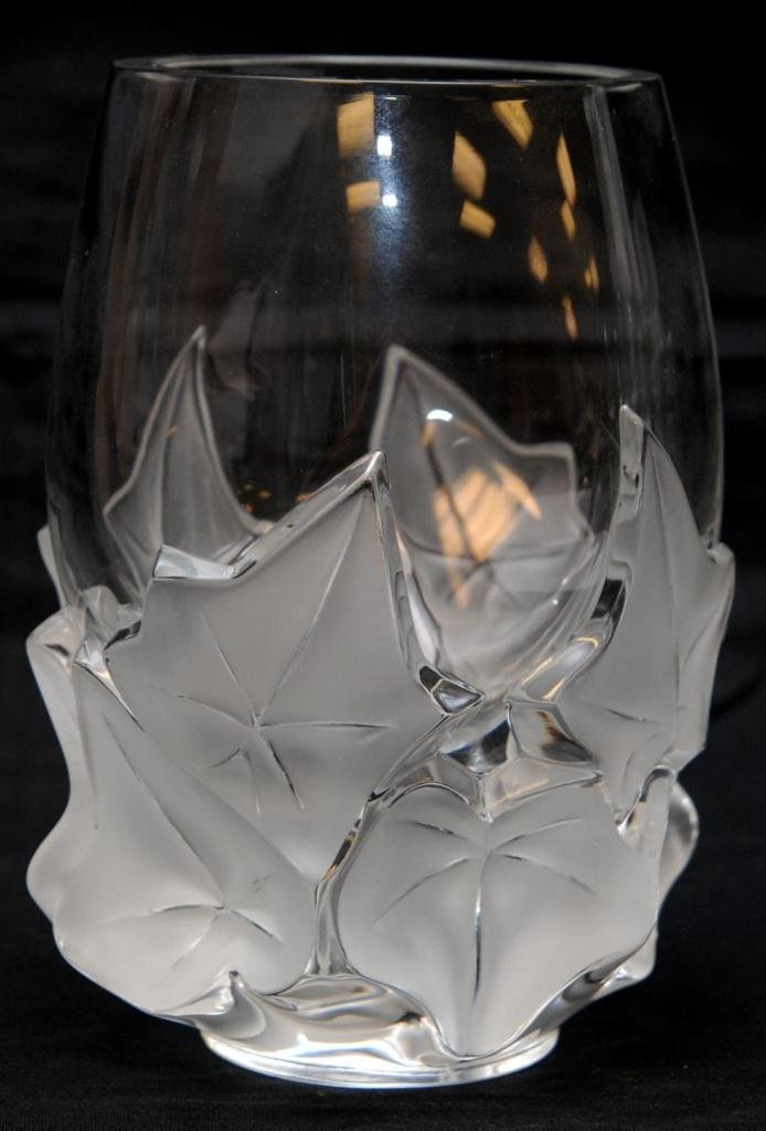 6A: LALIQUE FRENCH CRYSTAL LEAVES VASE