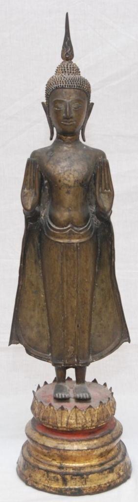 554: 16th CENTURY THAI BRONZE STANDING BUDDHA FIGURE