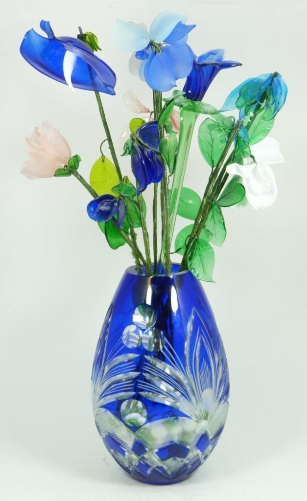 7: ART GLASS FLORAL ARRANGEMENT IN COBALT VASE