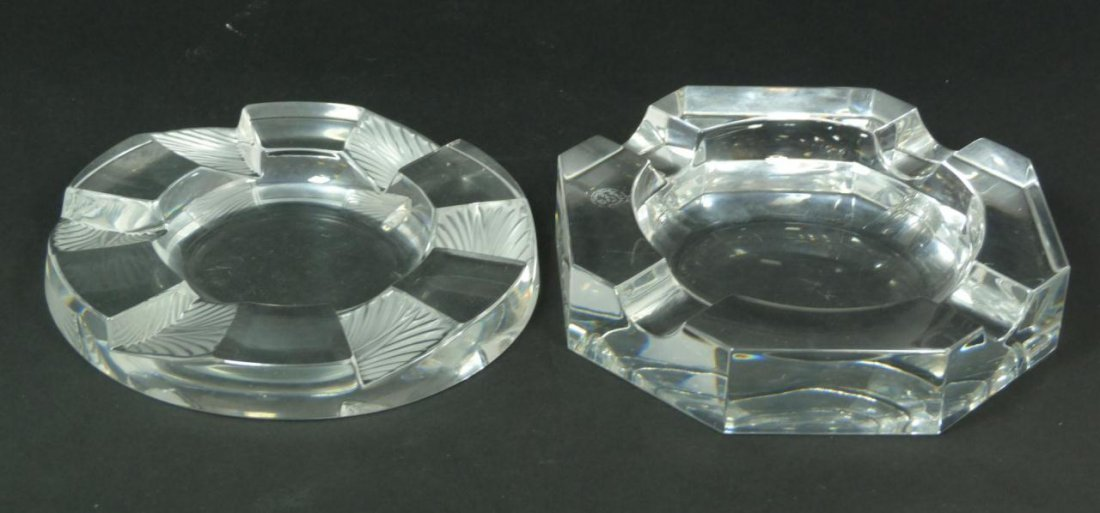 23: 2 FRENCH CRYSTAL LALIQUE AND BACCARAT ASHTRAYS