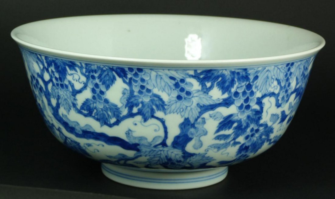 14: 18th C CHINESE BLUE & WHITE FLORAL PORCELAIN BOWL