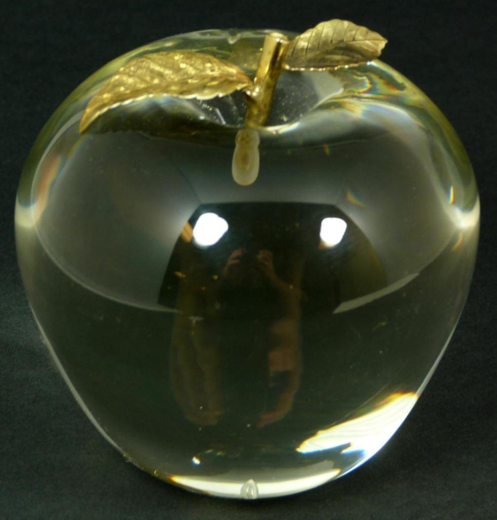 VINTAGE CARTIER CRYSTAL & GILT APPLE PAPERWEIGHT