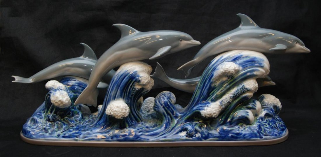 LLADRO SPANISH PORCELAIN 'THE DOLPHINS' SCULPTURE
