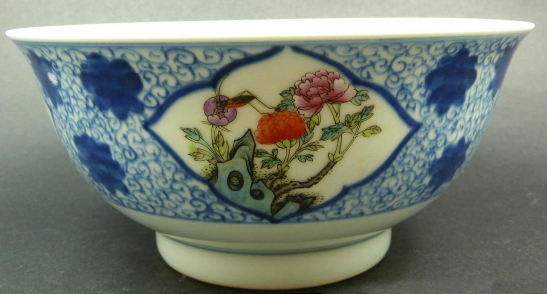 19th CENTURY CHINESE FLORAL PORCELAIN BOWL