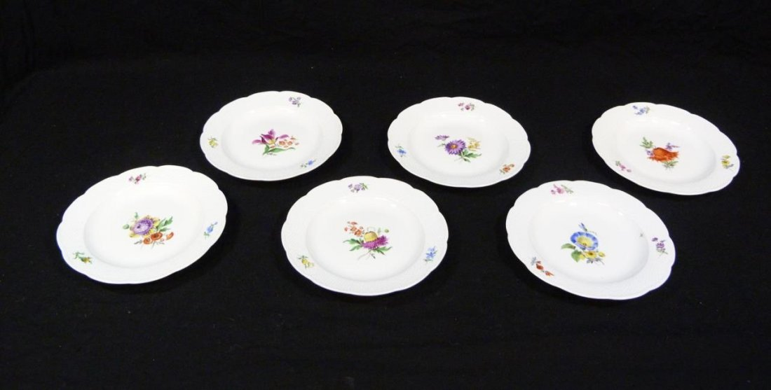 6 MEISSEN GERMAN PORCELAIN BREAD & BUTTER PLATES