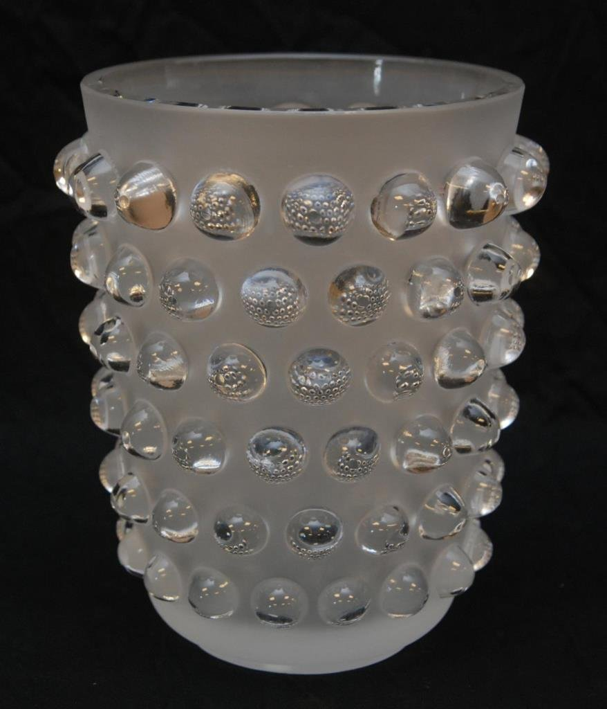 LALIQUE FRANCE 'MOSSI' FROSTED CRYSTAL VASE