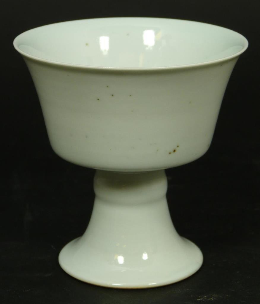 18th C CHINESE WHITE GLAZE PORCELAIN STEM CUP