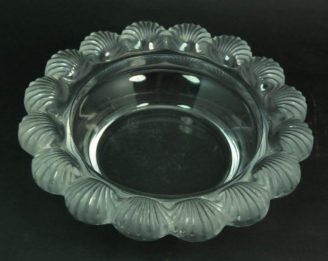 LALIQUE FRANCE 'PORNIC' SHELL BOWL SCALLOPED