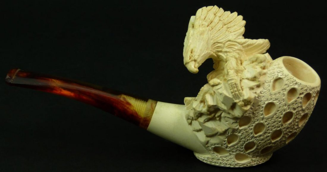 VINTAGE CARVED MEERSCHAUM PIPE OF AN EAGLE ON NEST