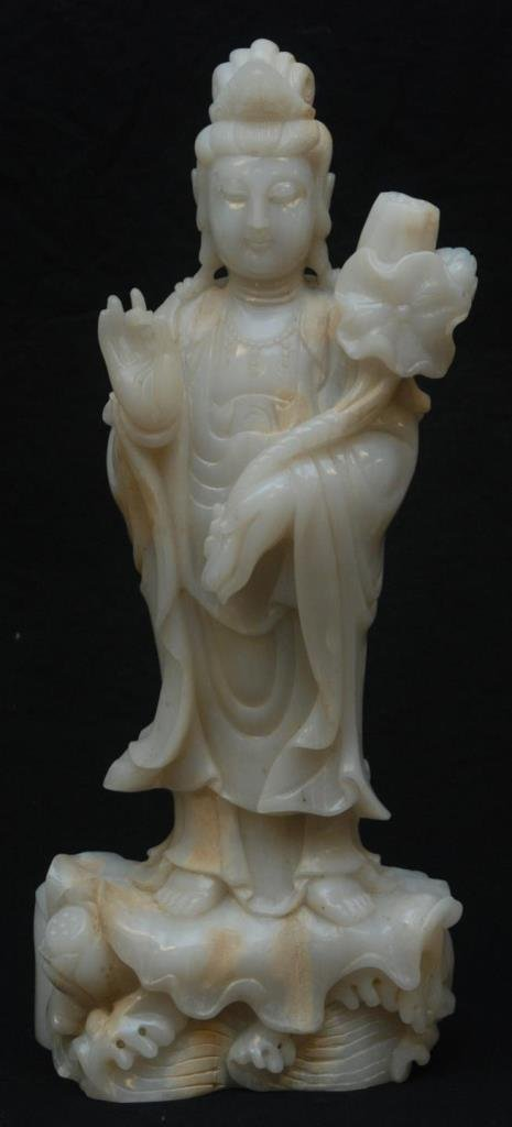 IMPORTANT ANTIQUE CHINESE WHITE JADE QUAN YIN