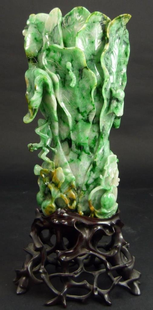 CHINESE NATURAL EMERALD GREEN JADEITE CABBAGE VASE