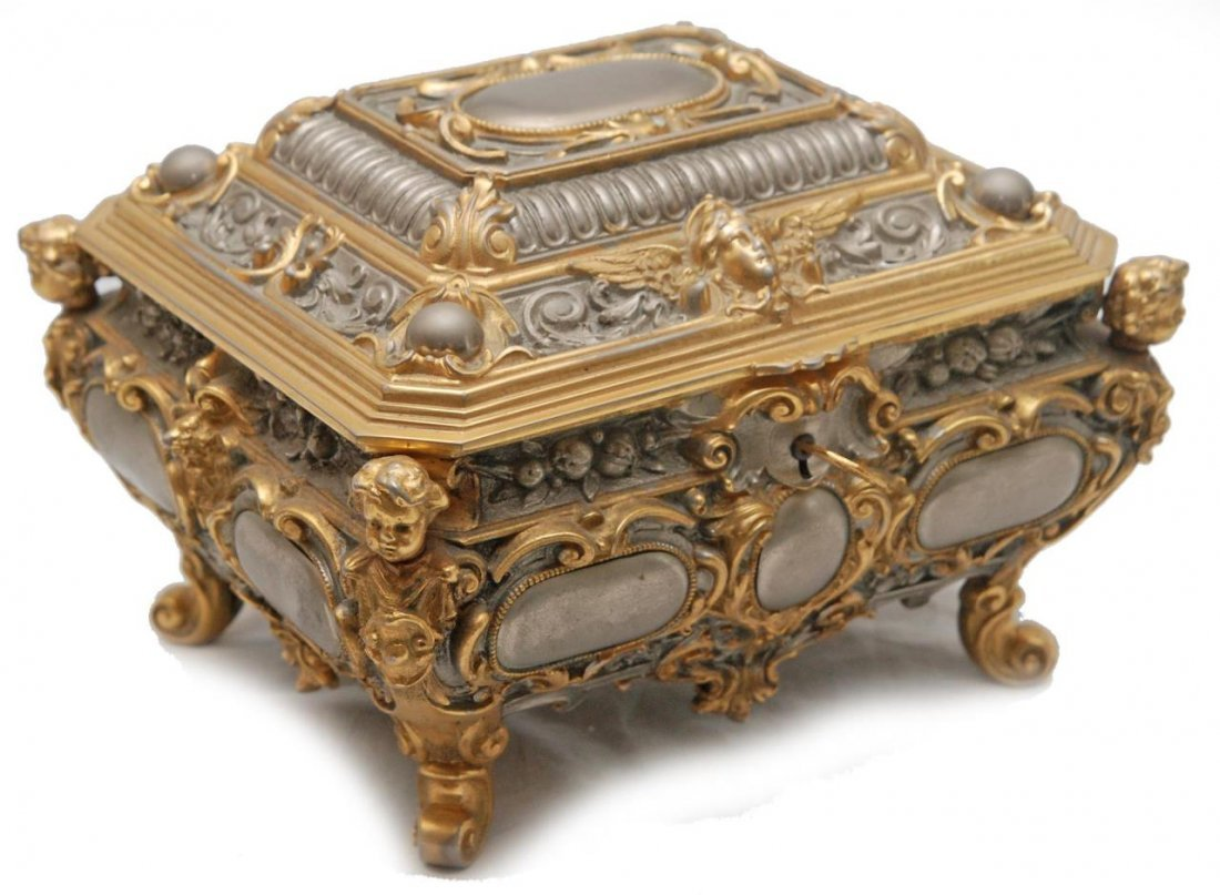 ITALIAN GILT METAL LOCKING CASKET JEWELRY BOX